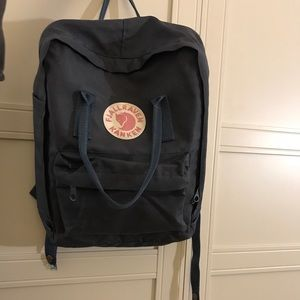 Fjallraven deep navy classic Kanken backpack